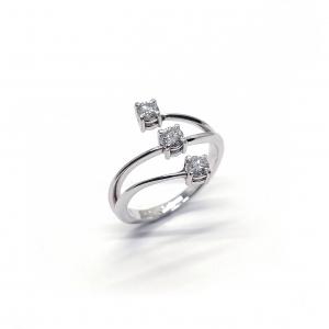 Anello Trilogy con diamanti CT 0.51