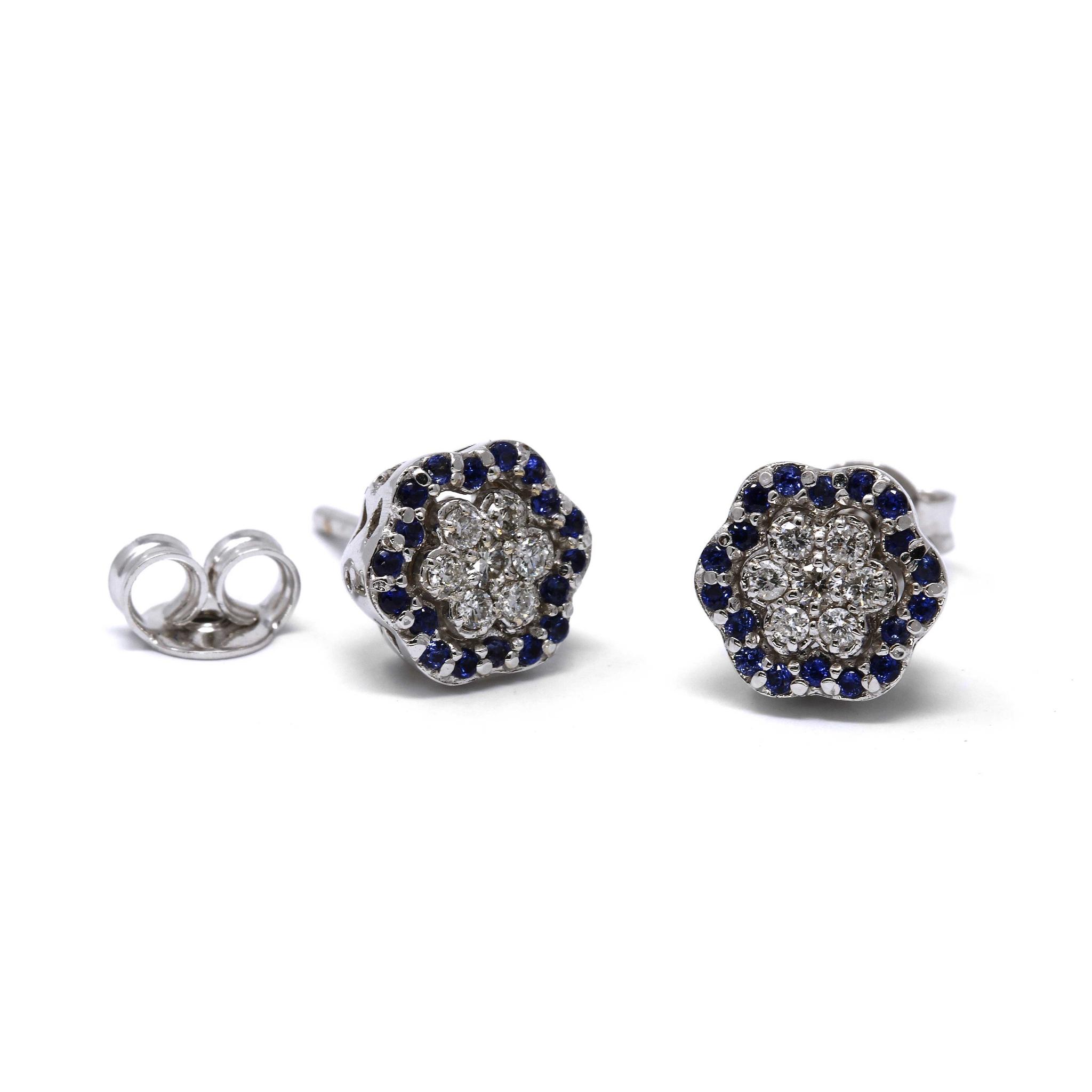 Orecchini Margherita 36 Zaffiri CT 0.18 e 14 Diamanti CT 0.20