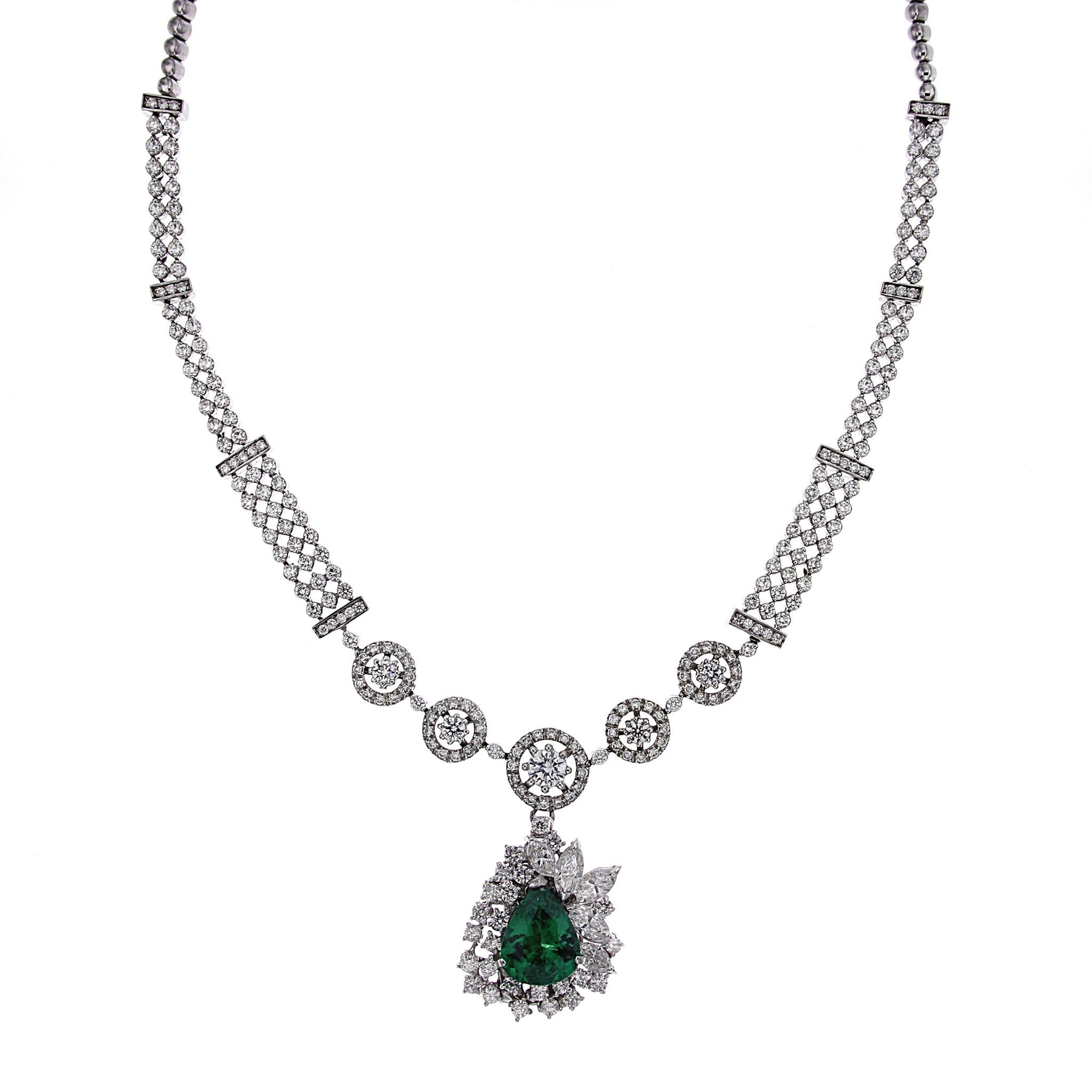 Collier di Diamanti con Goccia di Smeraldo